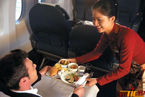 Vì sao giá vé máy bay thương gia lại đắt?