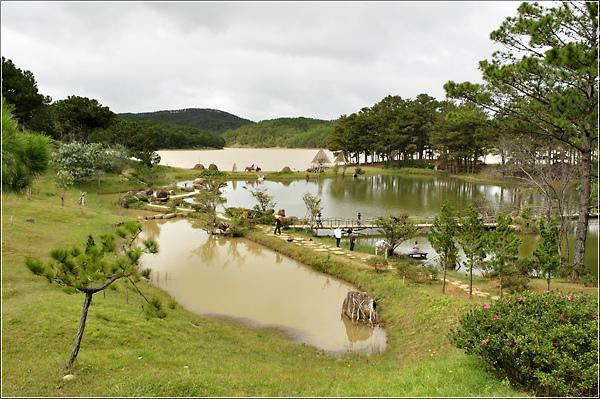 Đà Lạt-Madagui-Thung Lũng Vàng-Vườn Dâu Tươi 2*
