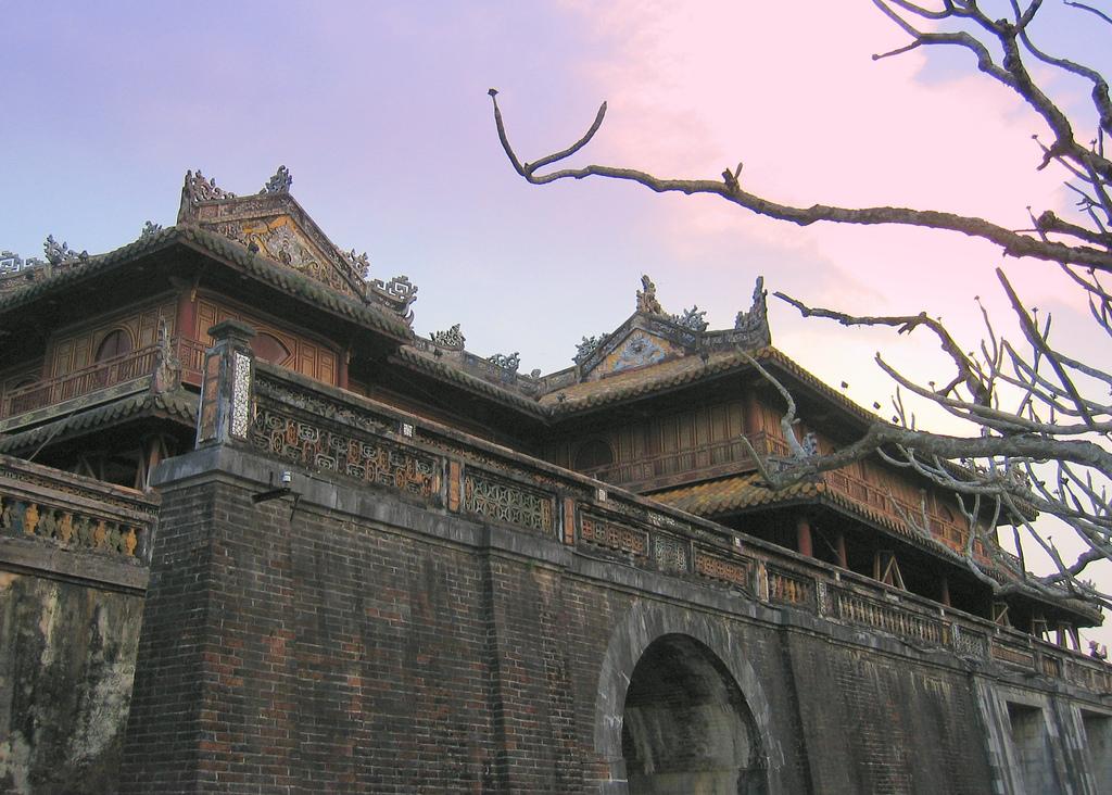 Huế-La Vang-Động Phong Nha&Thi;ên Đường-Bà Nà-Hội An-Đà Nẵng (Khách sạn 4 * trọn tour) (3.200.000vnđ/khách)