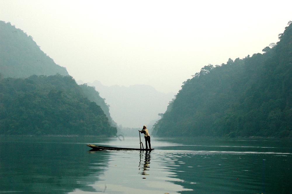 Đông Bắc: Hà Nội-Bắc Kạn-Ba Bể-Cao Bằng-Thác Bản Giốc-Lạng Sơn