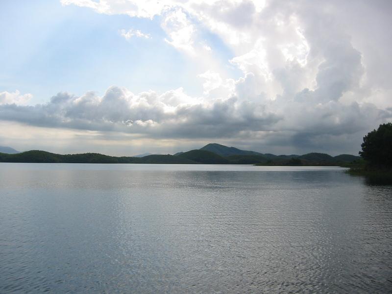 Tây Bắc: Hà Nội-Tú Lệ-Mù Cang Chải-Yên Bái-Sapa-Điện Biên-Sơn La-Mộc Châu-Mai Châu (4.200.000vnđ/khách)